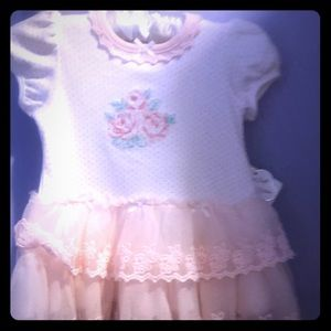 Baby dress with ruffled bottom